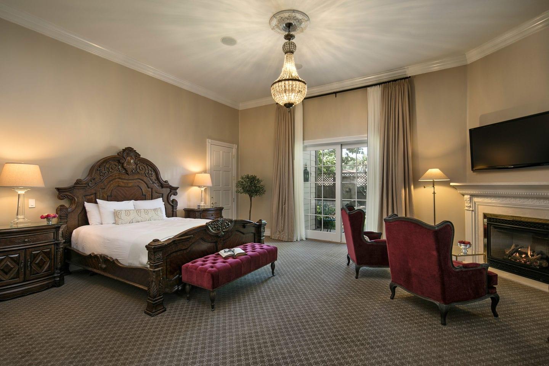 Santa Ynez Inn guest room