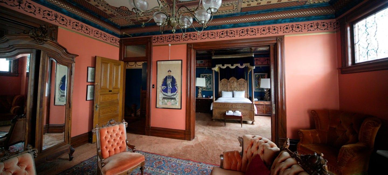 Chateau tivoli bed breakfast inn cabbi for Chatodax tavoli