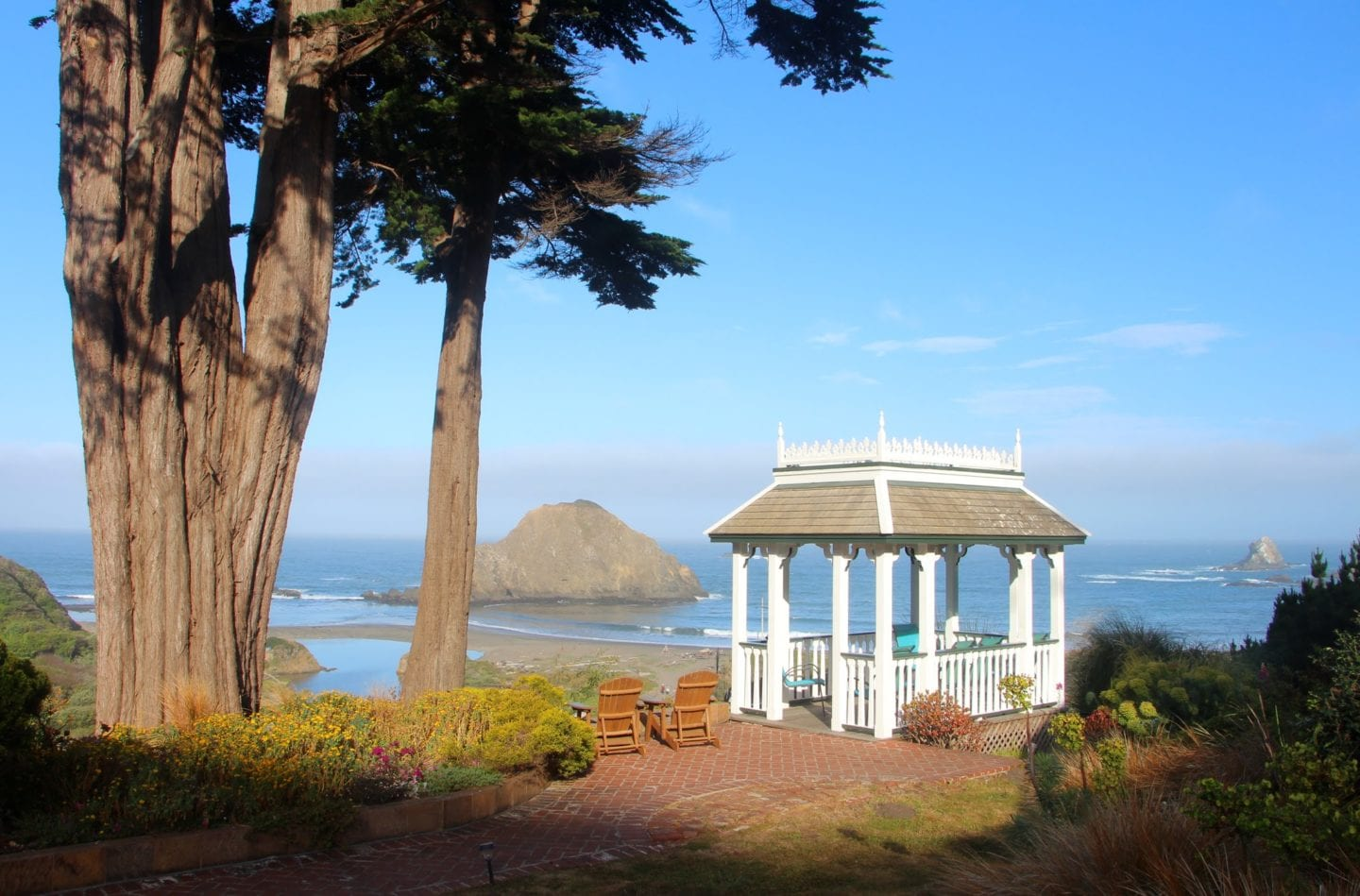 Tranquility and Stunning Oceanfront Views at Elk Cove Inn & Spa | CABBI