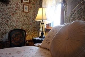 Guest room furnishings for Autumn Song