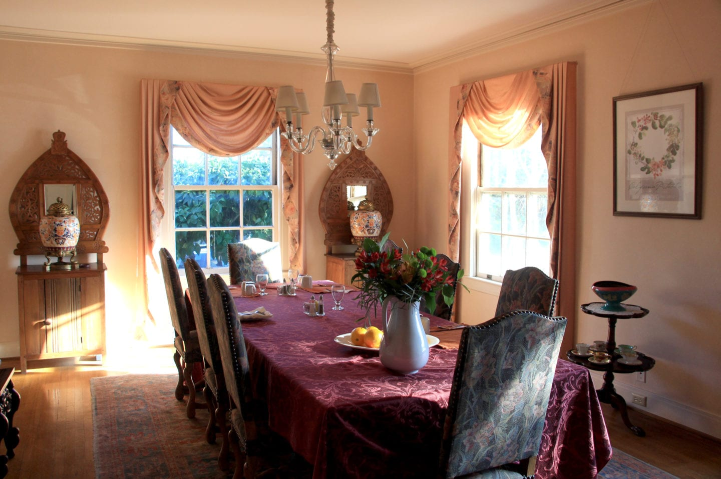 Dining room at Bear Creek Inn