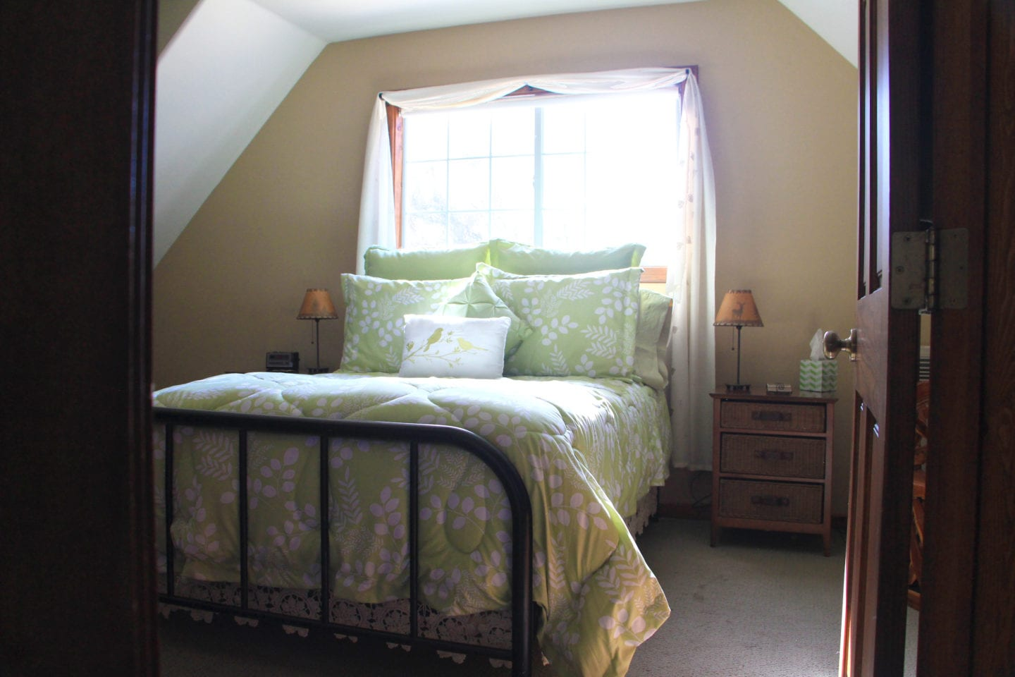 The Golden Delicious Suite at Apple Blossom Inn