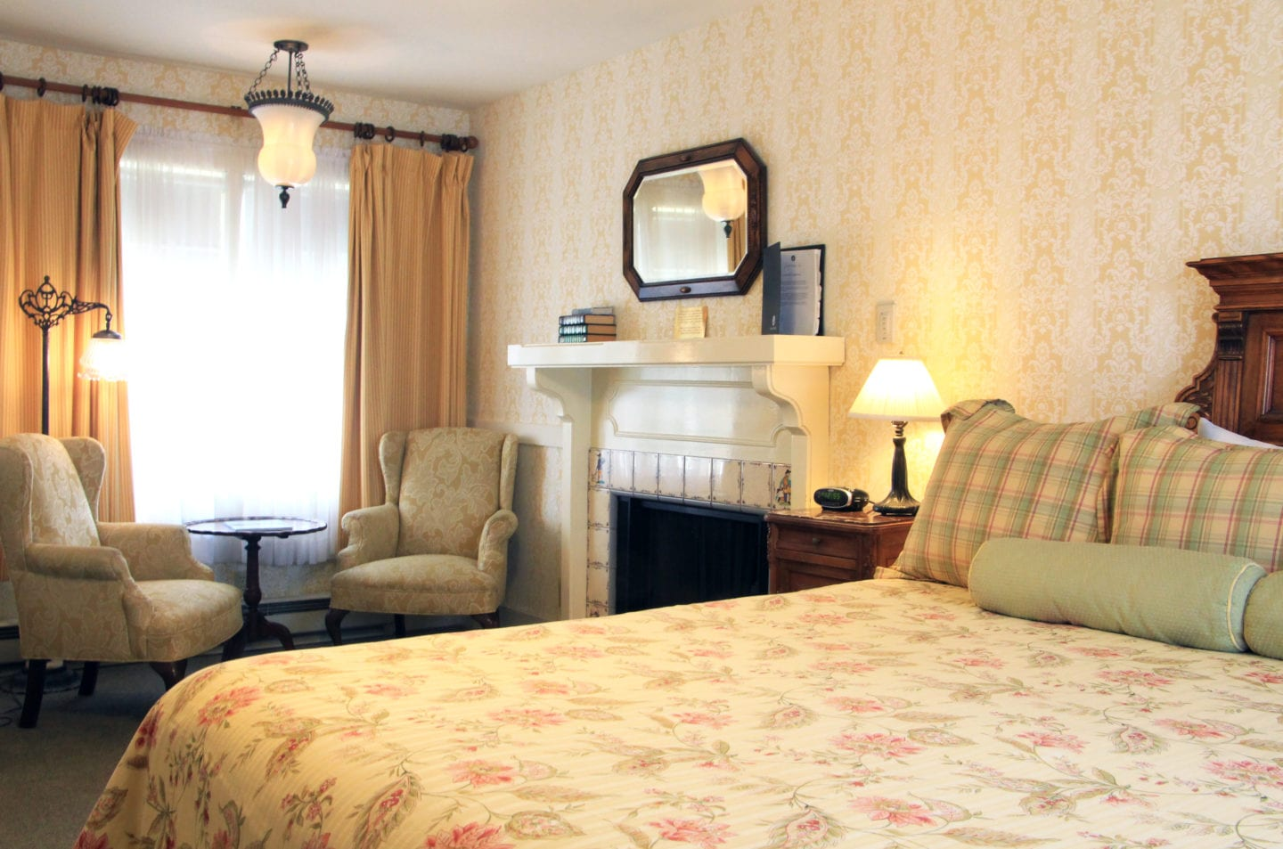 Guest room at the Gosby House Inn