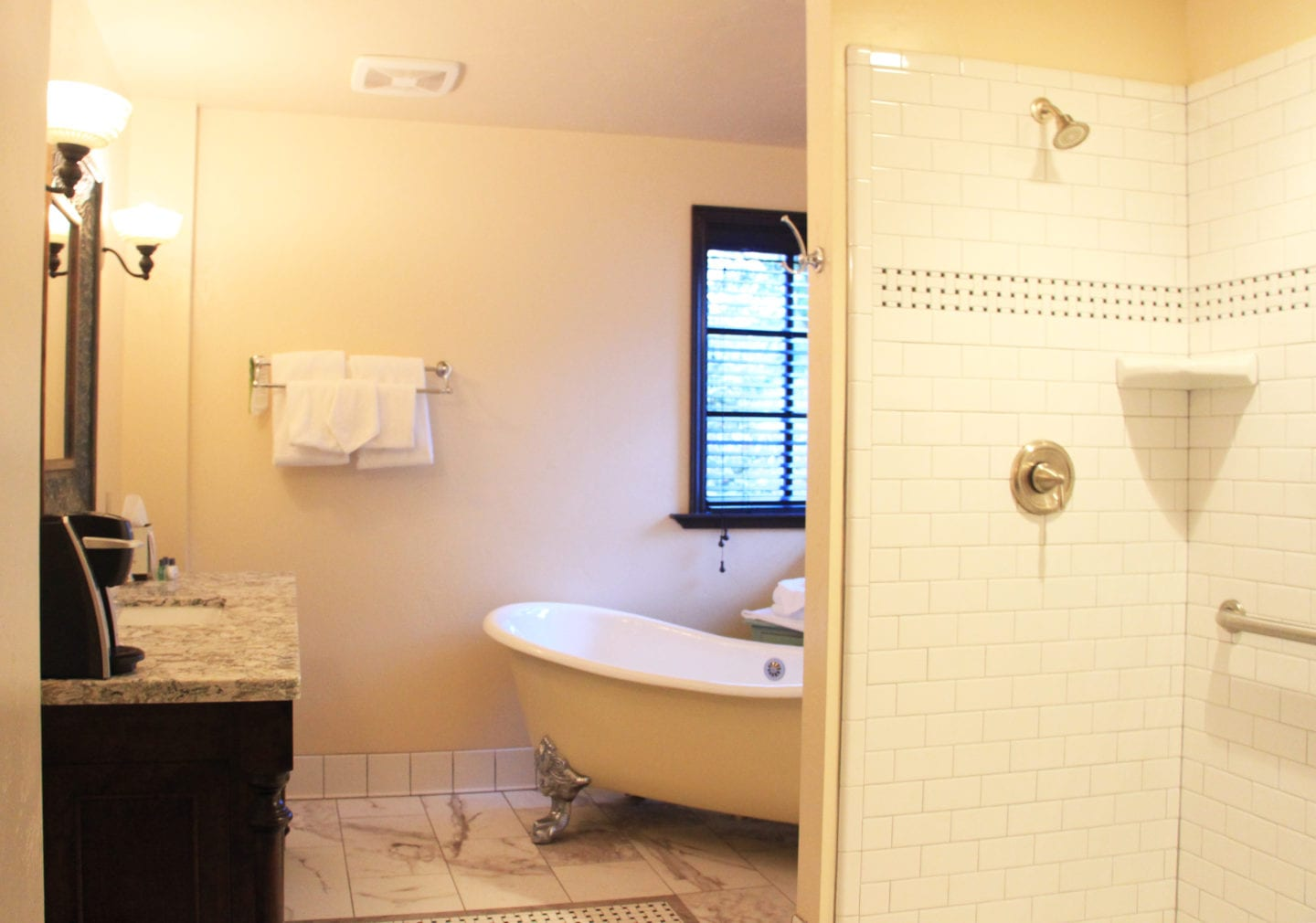 Evangeline Suite bath at Benbow Historic Inn