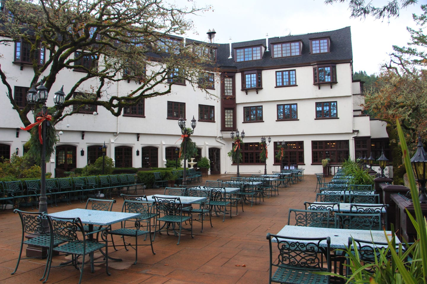 The terrace at the Benbow Historic Inn