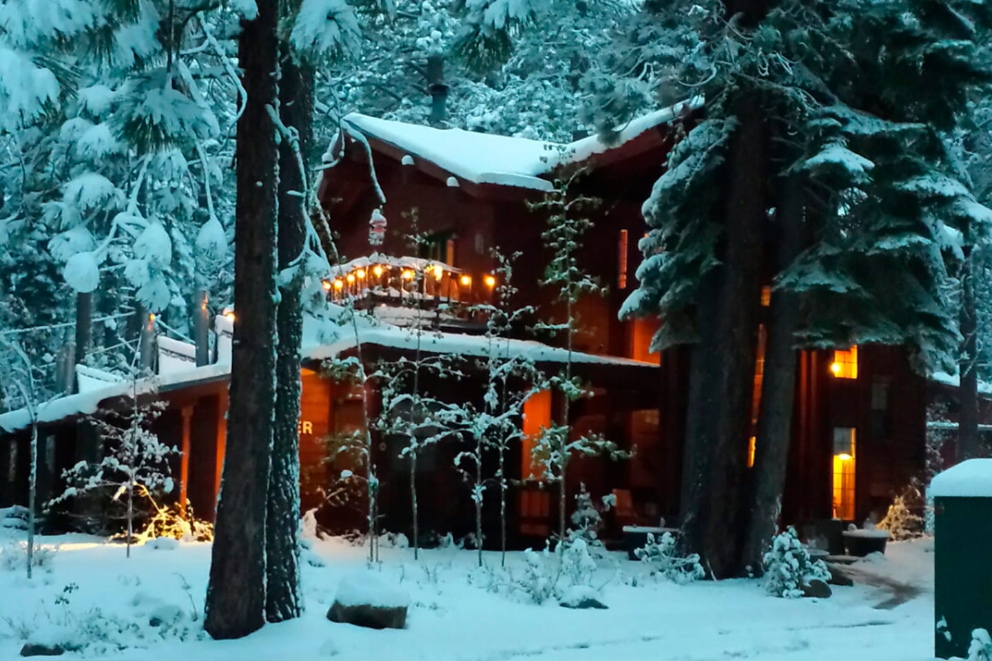 Donner Lake Inn in the snow