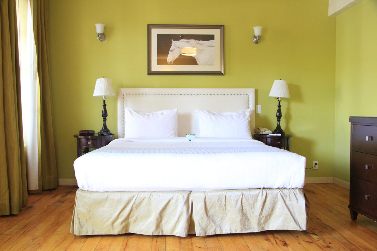 Guest room at Wine Valley Inn & Cottages