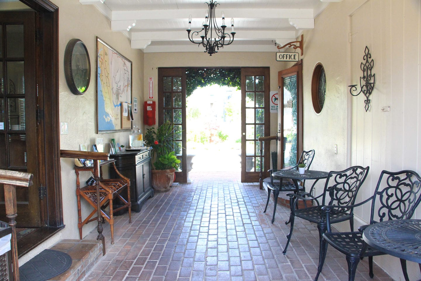 Breezeway at Solvang Gardens Lodge