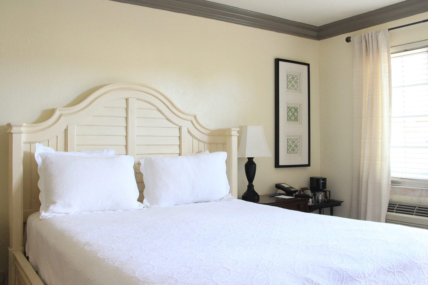 Guest room at Solvang Gardens Lodge